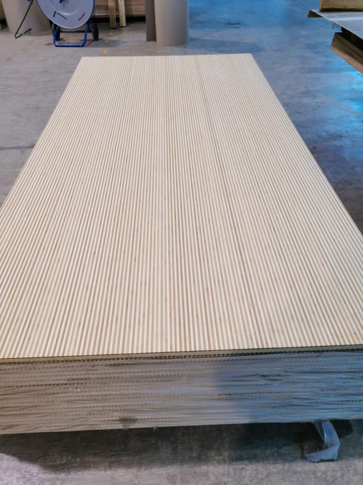 Panouri Bambus cu lamele late 1-, 3- şi 5-straturi